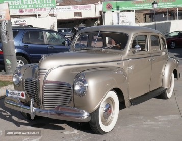 Plymouth Deluxe